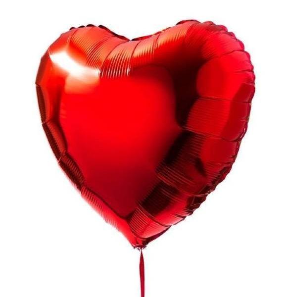 globo de helio con formar de corazon